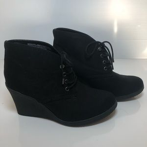 Black Merona booties. Great condition